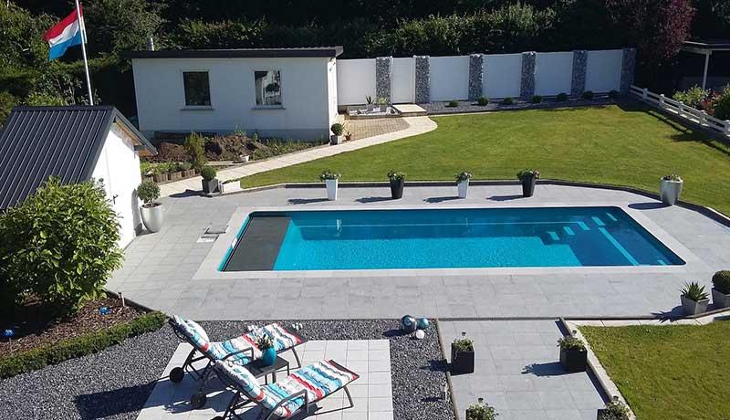 Tranquility avec volet roulant piscine fond plat for Piscine leisure pools